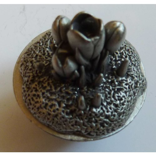 A E Williams Crocus Bowl Box