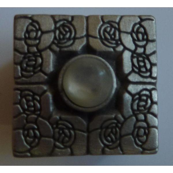 Stone Set Rennie Mac  Box