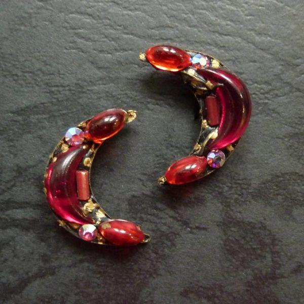 Vintage crecent stud crystal earrings