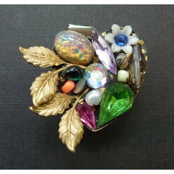 Vintage heart leaf crystal brooch