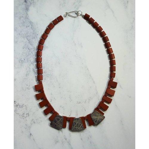 Angela Learoyd Collar de cuello Jaspe plateado y rojo