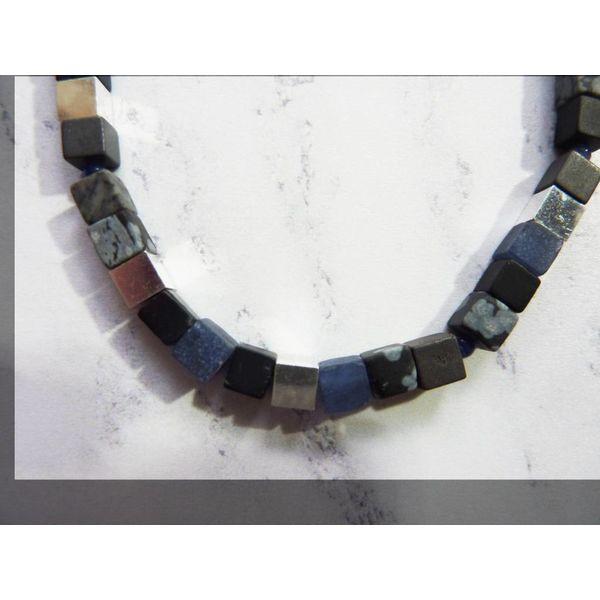 Collar pequeño cubo - grises mixtos, sodalita, plata
