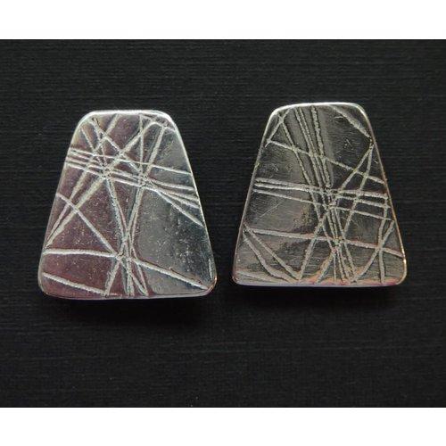 Angela Learoyd Pendientes de plata con forma de perno prisionero