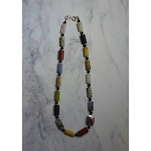 Angela Learoyd Rombo mezclado piedras preciosas y collar de plata