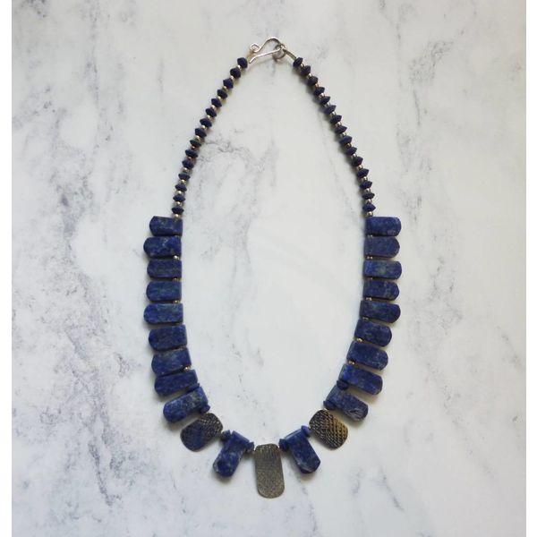 Lapislázuli y 3 collarines con acentos plateados