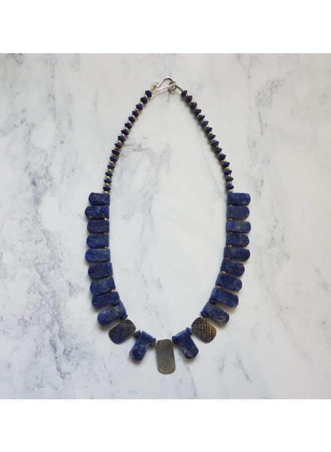 Lapis und 3 silberne Akzente Kragen Halskette
