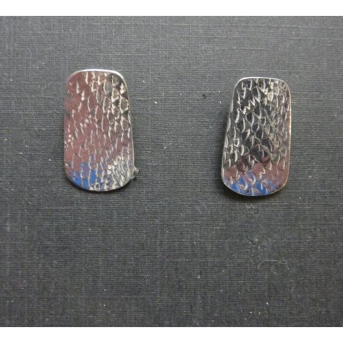 Angela Learoyd Oval stud earrings