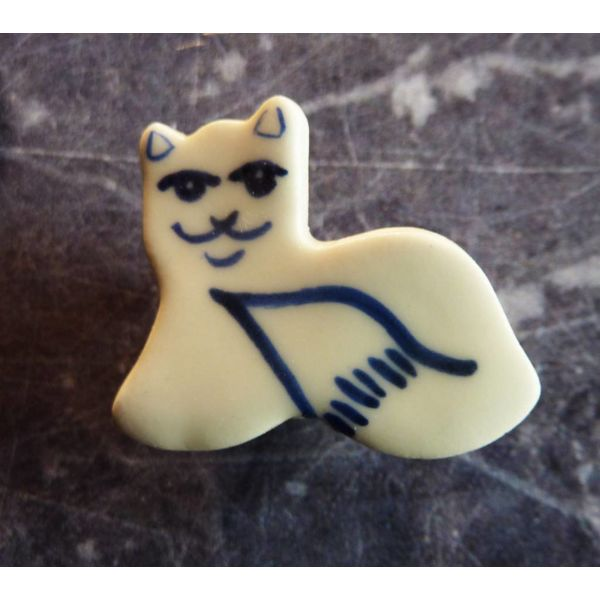Mini ceramic cat brooch