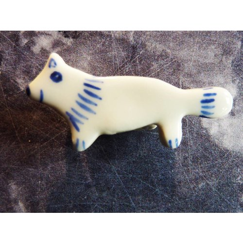 Pretender To The Throne Mini ceramic fox brooch