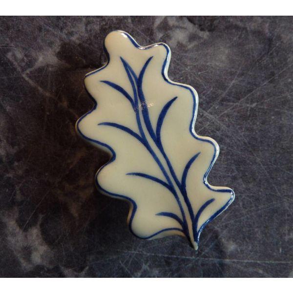 Oak leaf ceramic brooch 09