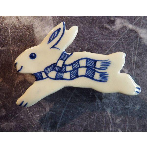 Hare Keramik Brosche