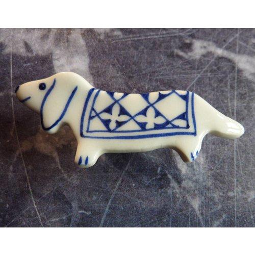 Pretender To The Throne Dachshund ceramic brooch 023