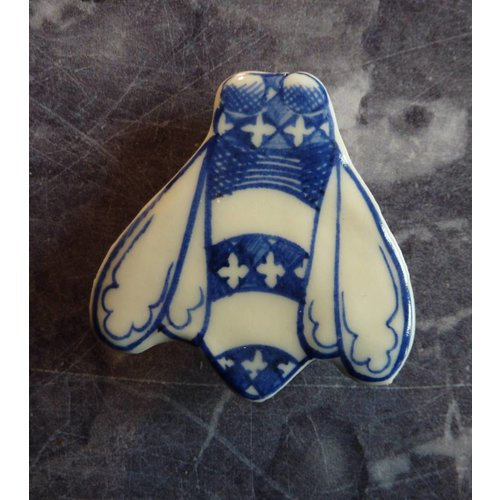 Pretender To The Throne Bee ceramic brooch 025