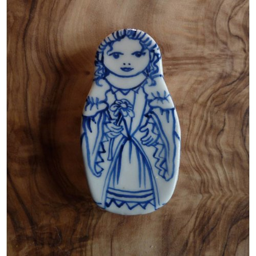 Pretender To The Throne Costume doll ceramic brooch flower