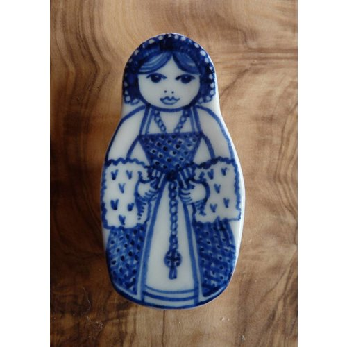 Pretender To The Throne Costume doll ceramic brooch