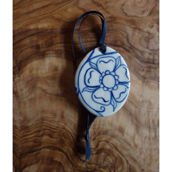 Oval Ceramic Decoration Rose Sml. 062