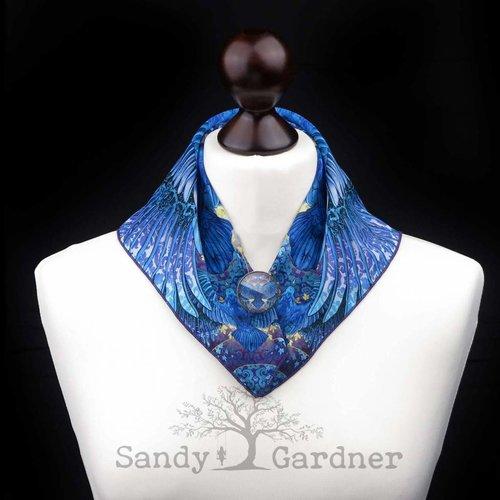 Sandy Gardner Raven Roulette Halstuch