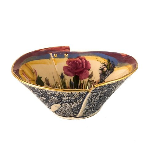 Vanessa Conyers Lustre Secret Garden Pink Rim Lustre bowl sm