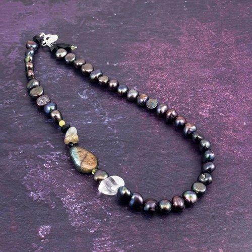 Katherine Bree Princes Vert-Noir necklace
