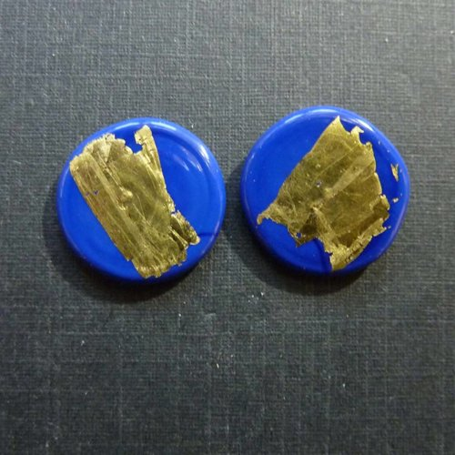 Helen Chalmers Round gold stud earrings dk. blue