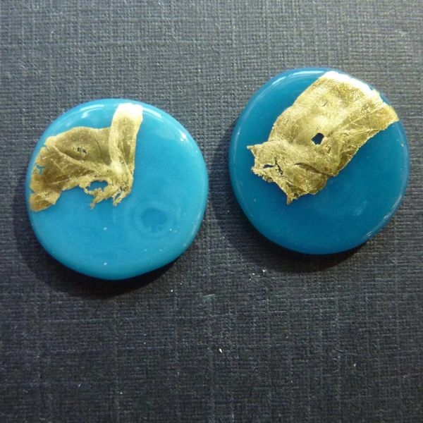 Round gold stud earring turquoise