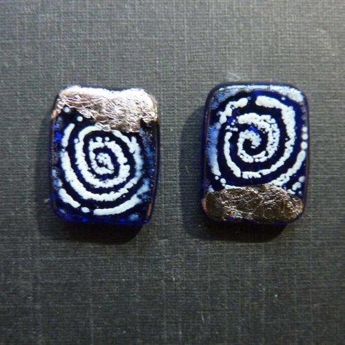 Helen Chalmers Sgraffito-Panel-Nieten Blau