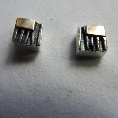 Adele Taylor Square studs oxide silver & 14 ct gold 3