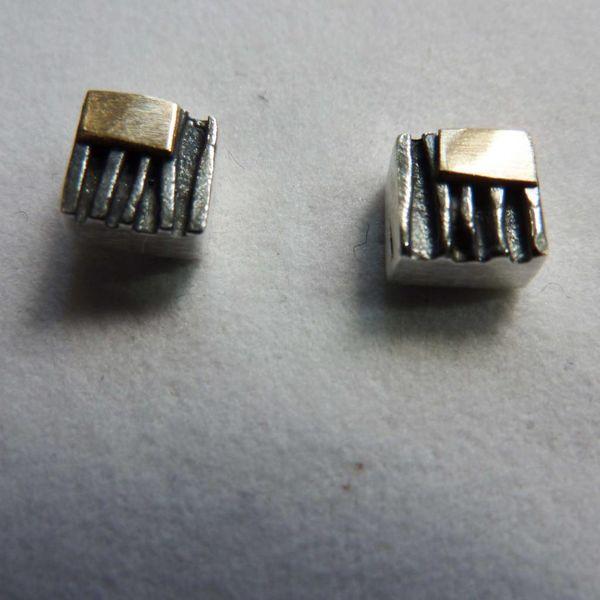 Square studs oxide silver & 14 ct gold 3
