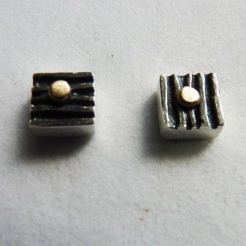 Adele Taylor Pernos cuadrados de óxido de plata y oro de 14 ct 1