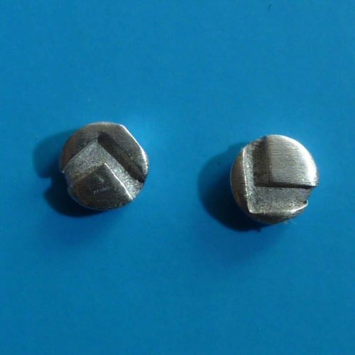 Adele Taylor Round tiny studs oxide silver & silver 4
