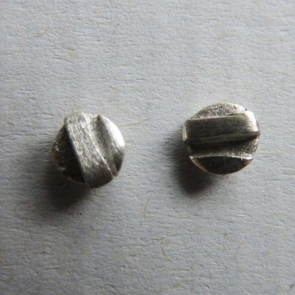 Round tiny studs silver 2