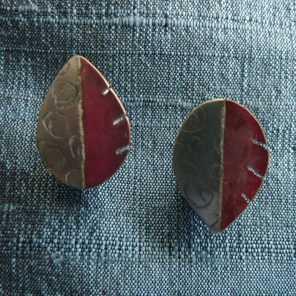 Disc  shape leaves red copper and silver stud earrings