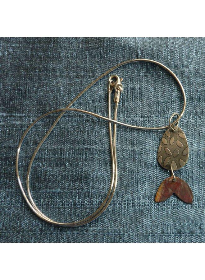 Disc Blätter geätzt Silber & Rot Kupfer Halskette