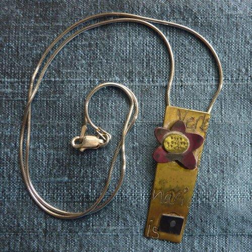 Jill Stewart Rechteckige Halskette aus Messing und rotem Kupfer