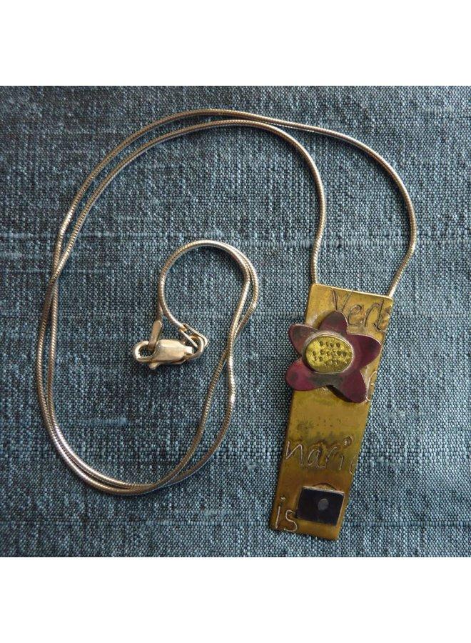 Rechteckige Halskette aus Messing und rotem Kupfer