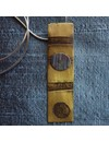 Collar rectangular de latón y titanio