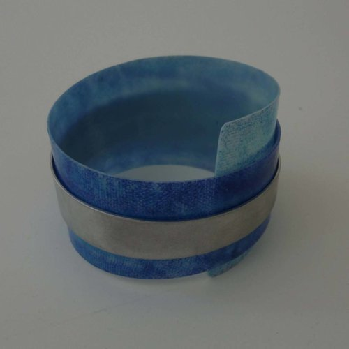 Anna Roebuck Bangle adjustable recylced Blues - aluminium 01