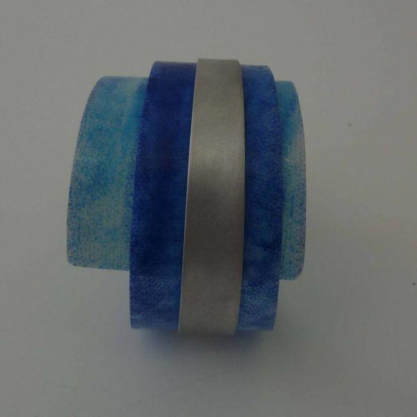 Bangle adjustable recylced plastic and aluminium
