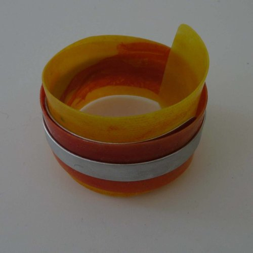 Anna Roebuck Bangle adjustable recylced Orange - aluminium  04
