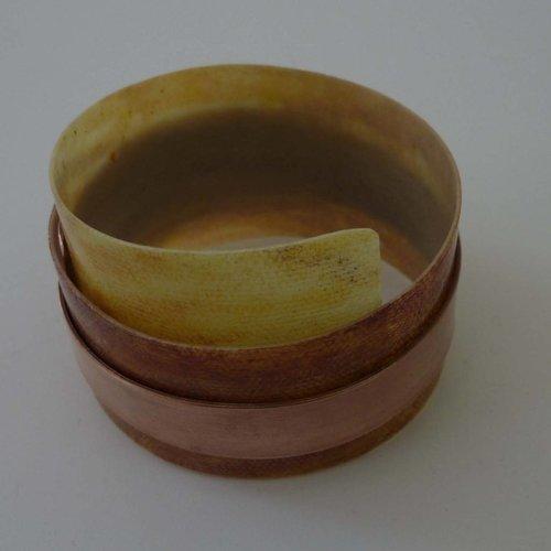 Anna Roebuck Brazalete de plástico reclinable ajustable y cobre