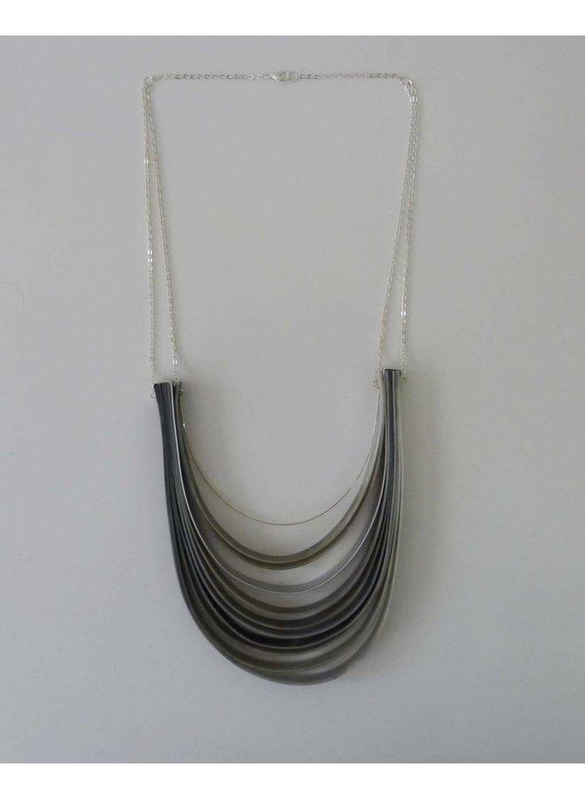 Schicht Halskette recyceltem Kunststoff und Aluminium