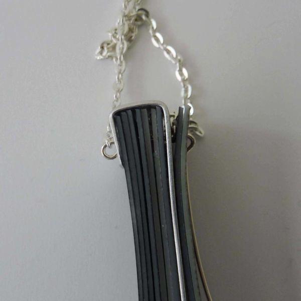 Collar de capas recylced plástico y aluminio