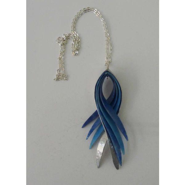 Swish pendant recylced plastic and aluminium