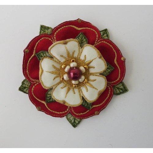 Vikki Lafford Garside Tudor Double Rose Gestickte Brosche