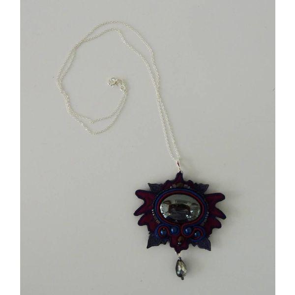 Nouveau große bestickte Halskette