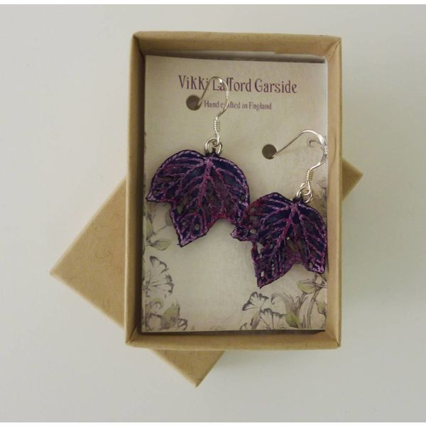 Leaf tiny embroidered earrings