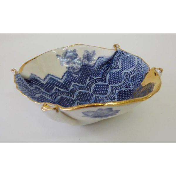 Blue floral bowl with gold lustre