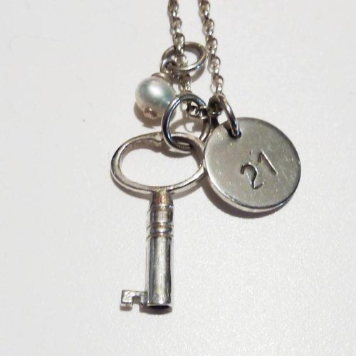Lime Tree Design Key with 21 disc and pearl silver necklace