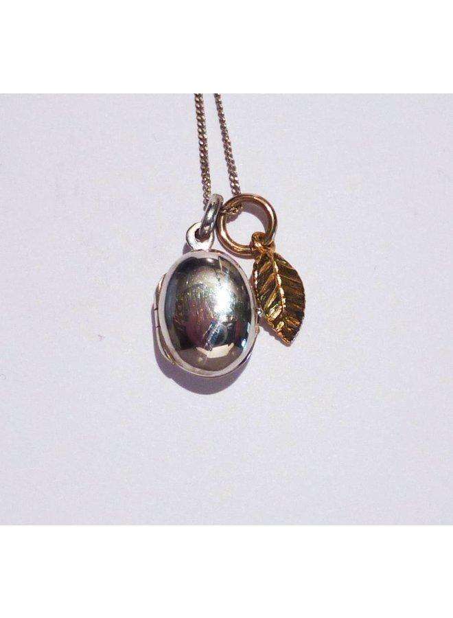 Ovale Medaillon Gold Charm Blatt Halskette