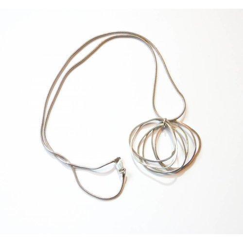Elizabeth Chamberlain Hula muli silver necklace